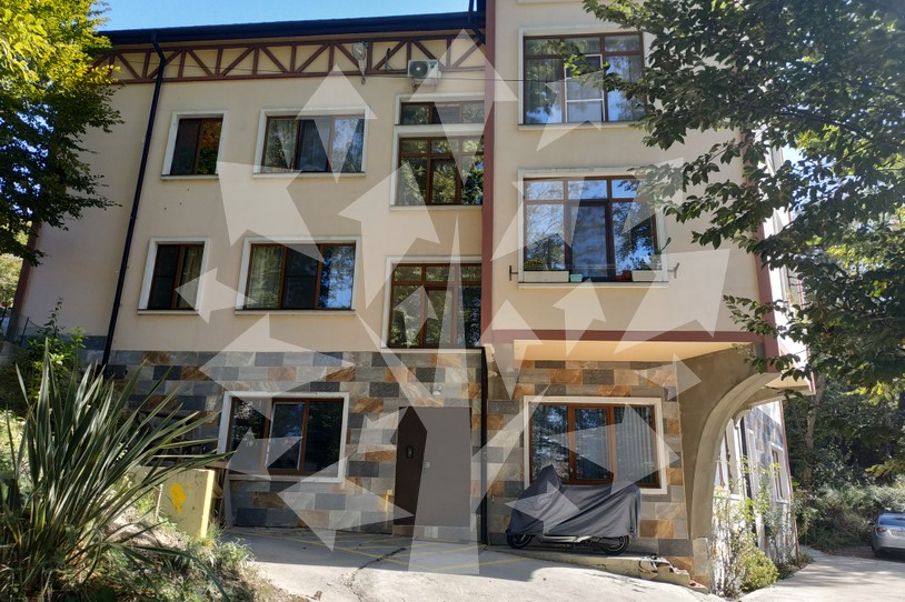Фото 1: 2 комн. квартира, 54 м², 4/3 эт. - Рост Недвижимость