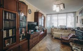 Фото 1: 2 комн. квартира, 50 м², 5/5 эт. - Рост Недвижимость