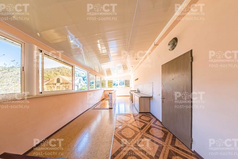 Фото 1: Дом 260 м² на участке 7.2 сот. - Рост Недвижимость