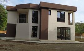 Фото 1: Дом 200 м² на участке 8.2 сот. - Рост Недвижимость