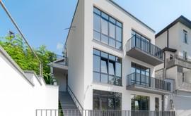 Фото 1: Дом 181.8 м² на участке 3.21 сот. - Рост Недвижимость